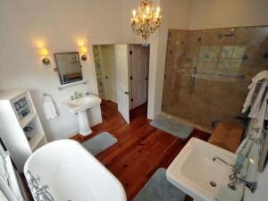 2002 Gull master bathroom