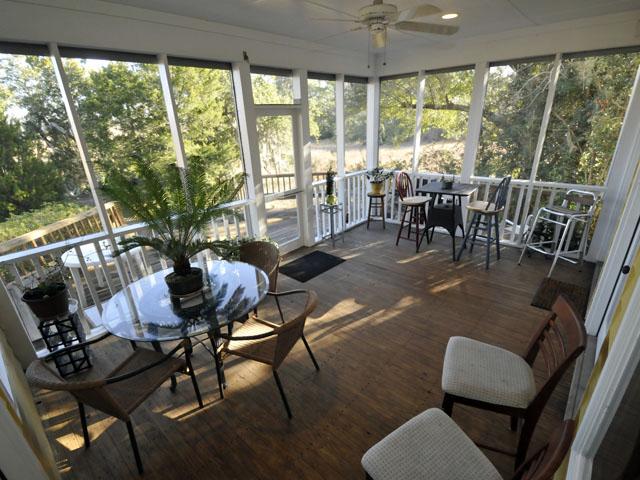 Screen porch at 12 River Reach