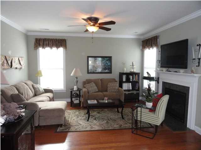 3021 Shiloh Lane living room