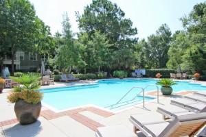 Mira Vista resort style pool