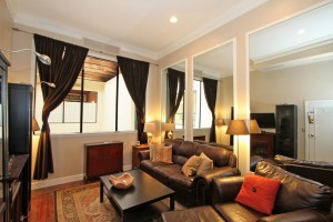 350 King Street living area