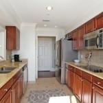 5015 Old Bridgeview Lane kitchen