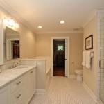 Master bathroom at 1426 Inland Creek Way