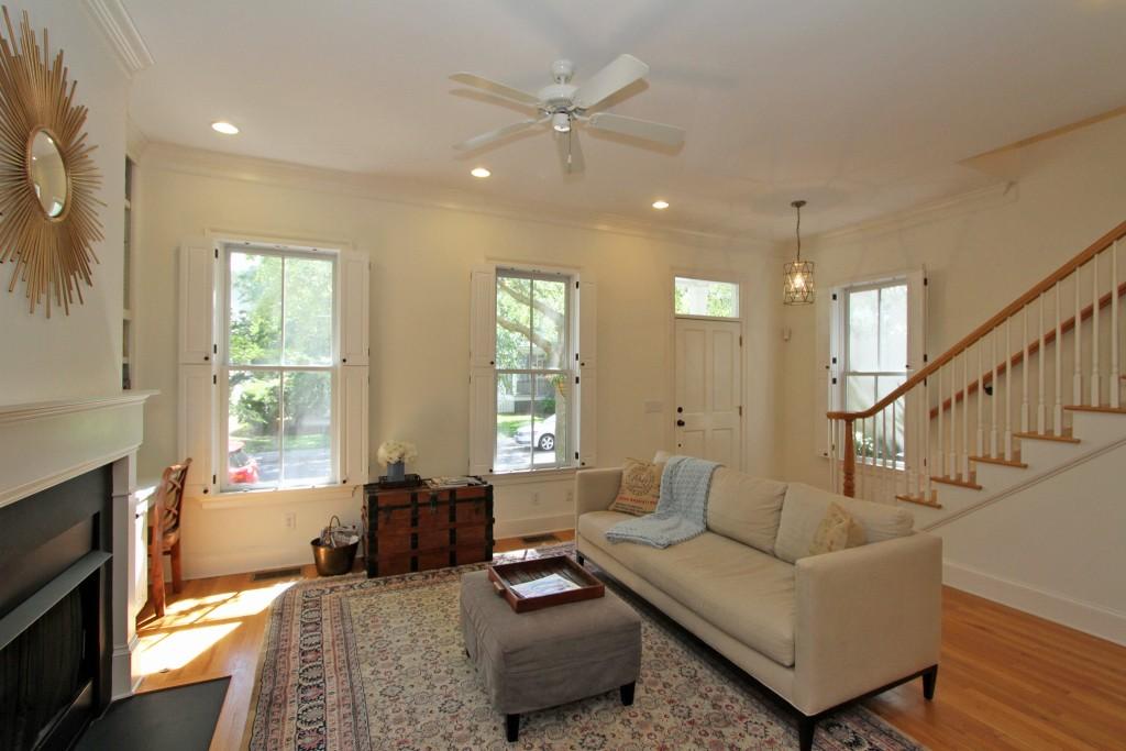 309 N. Shelmore living room