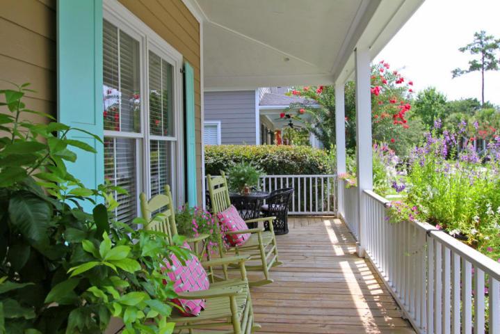 Charleston front porch at 4119 E Amy Lane