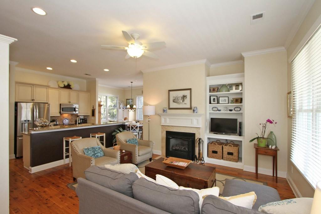 4119 E Amy Lane living room