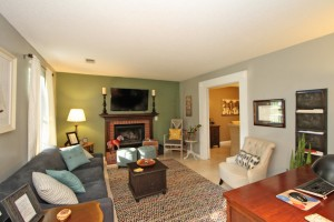 Living room at 2114 Pinehurst Avenue