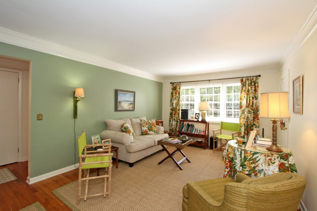 Living room at 7 Logan Street