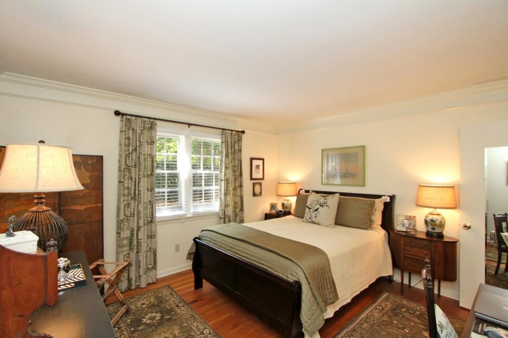 7 Logan Street master bedroom