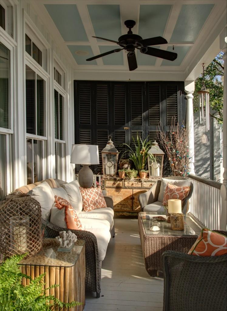 Porch at 200 Bank Street