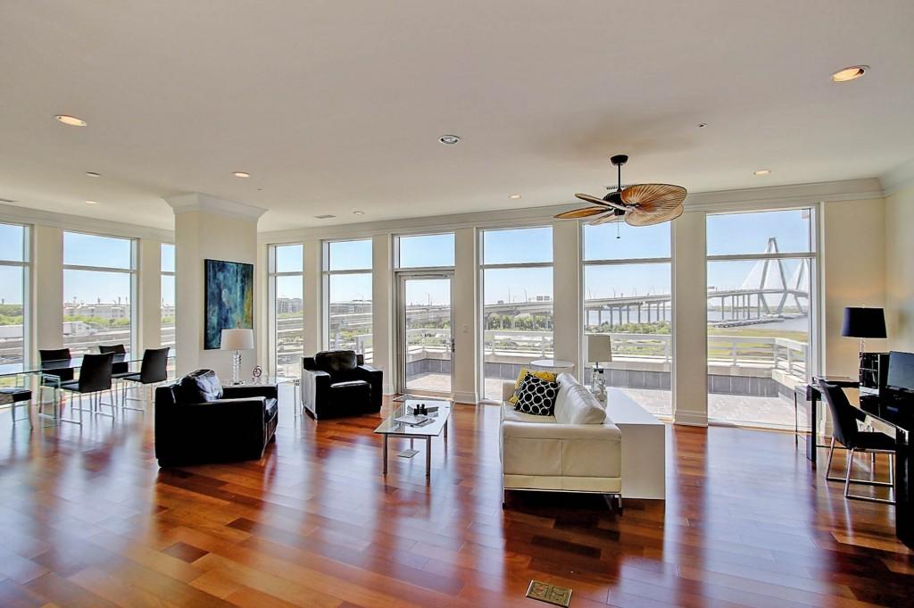 261 Cooper River Drive living room