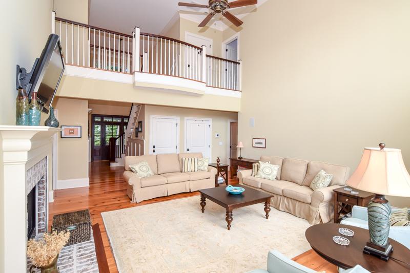 living room at 1021 Hughes Road