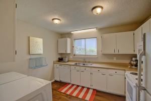 1120A Hidden Cove kitchen