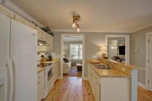 1122 Bexley kitchen