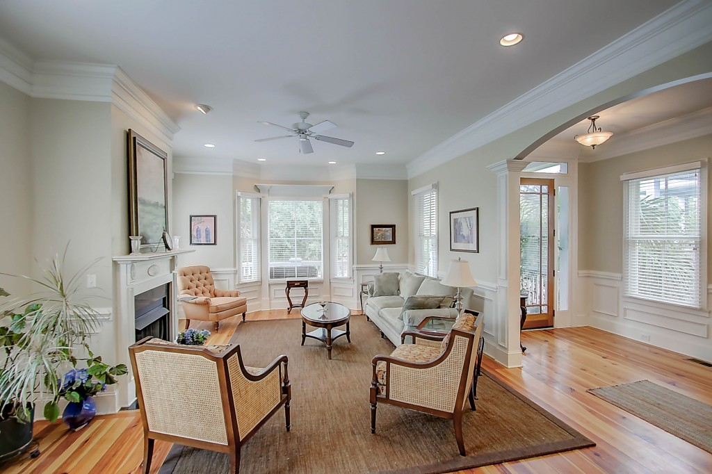 171 Mary Ellen Drive living room