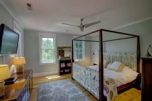 121 Live Oak master bedroom