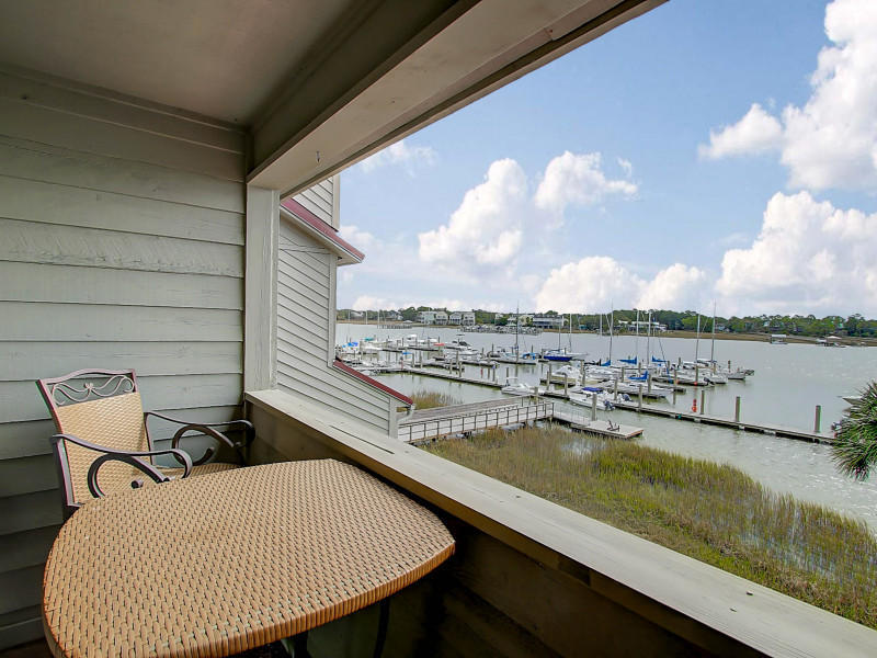 Covered porch at 75 Mariners Cay