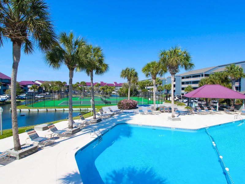 Mariners Cay pool & tennis courts