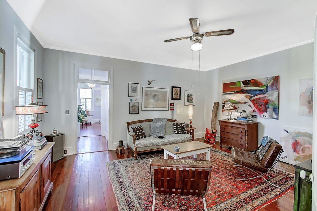 27 Chapel Street upstairs living room
