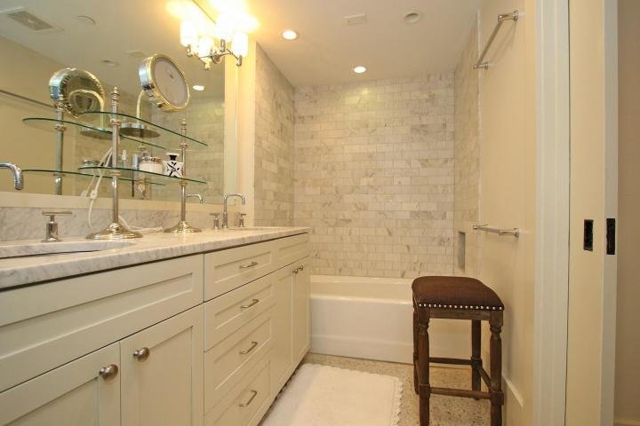 1 King Street master bath