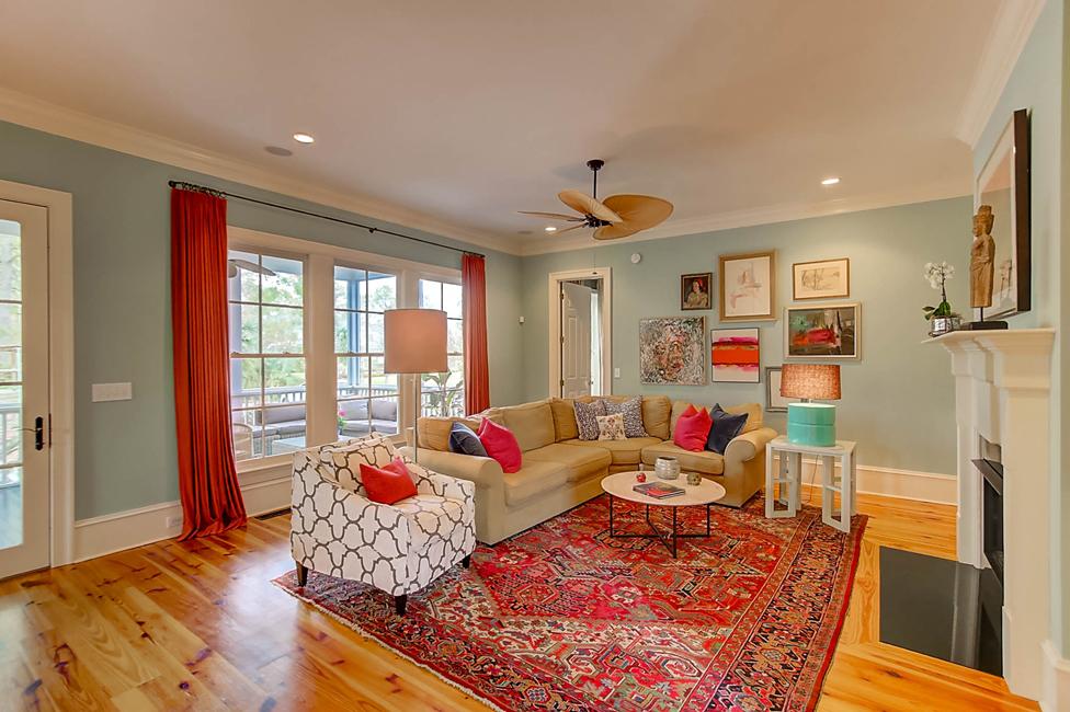 763 Olde Central Way living room