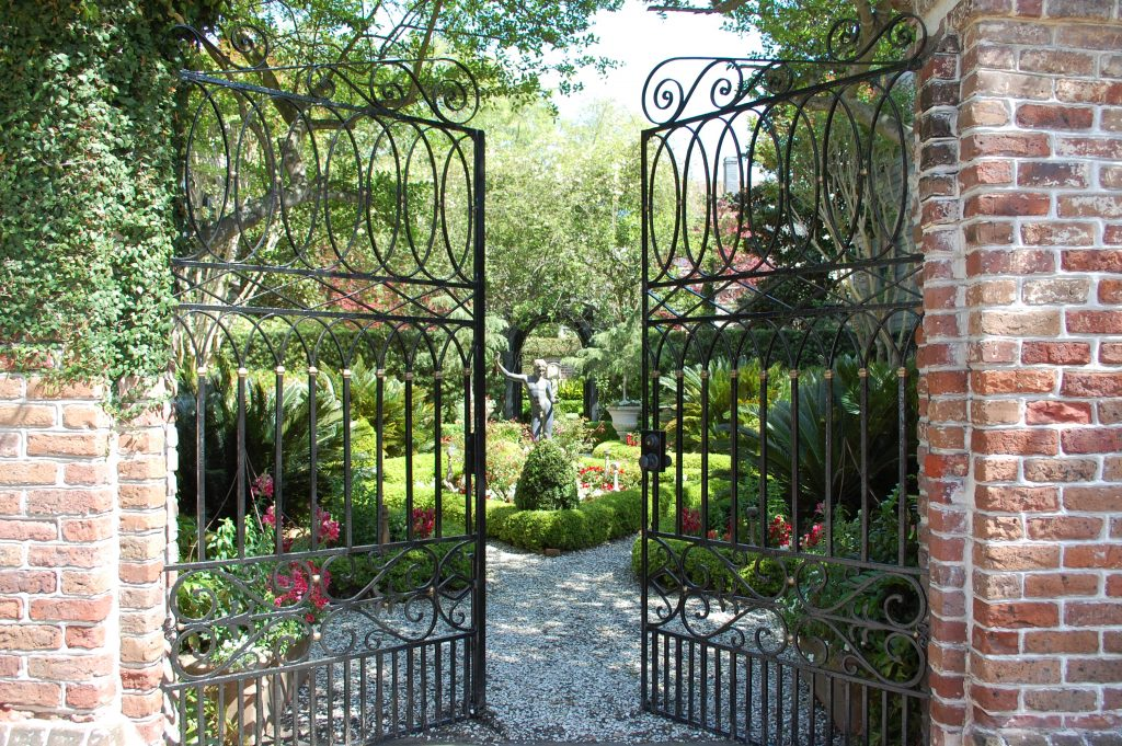 4-festival-of-houses-and-gardens-credit-historic-charleston-foundation