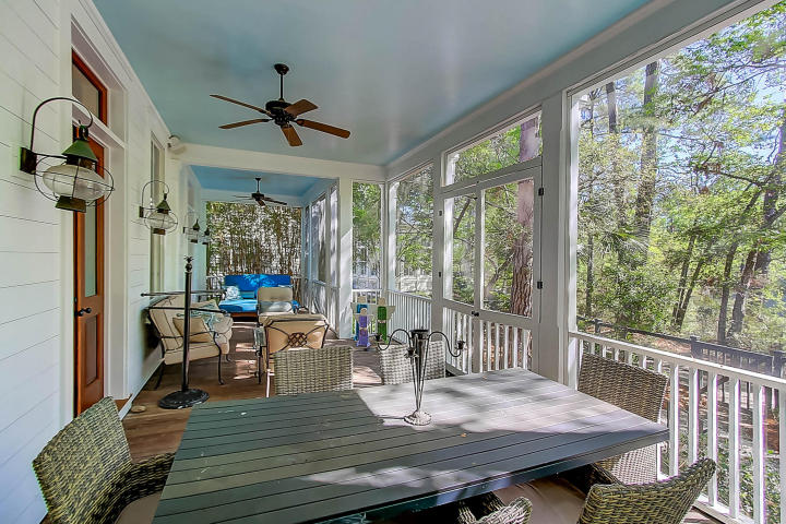 Screened porch at 30 Hopetown