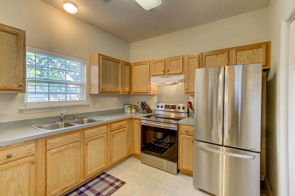 1426 Swamp Fox kitchen