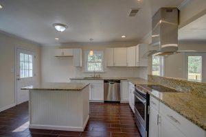 1466 River Road kitchen