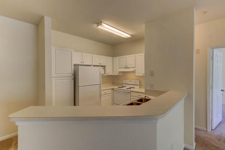 60 Fenwick Hall kitchen