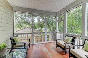 912 Misty Lake Drive screened porch
