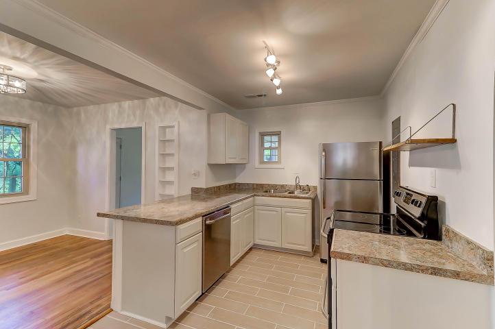 38 Anita Drive kitchen