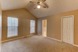529 Beechcraft master bedroom