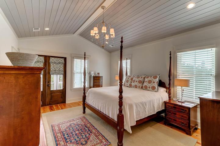 203 Haddrell Street master bedroom
