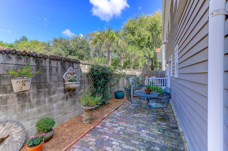 74 Reid Street courtyard