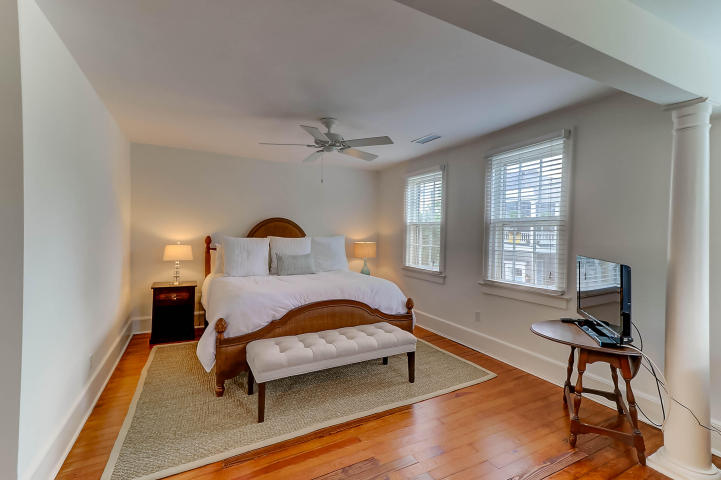 Master suite at 3 Colonial Street, Downtown