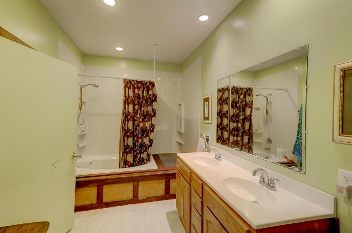 En-suite at 442 Woodland Shores Road, James Island