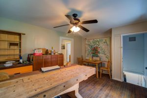 501 Woodland Shores apartment