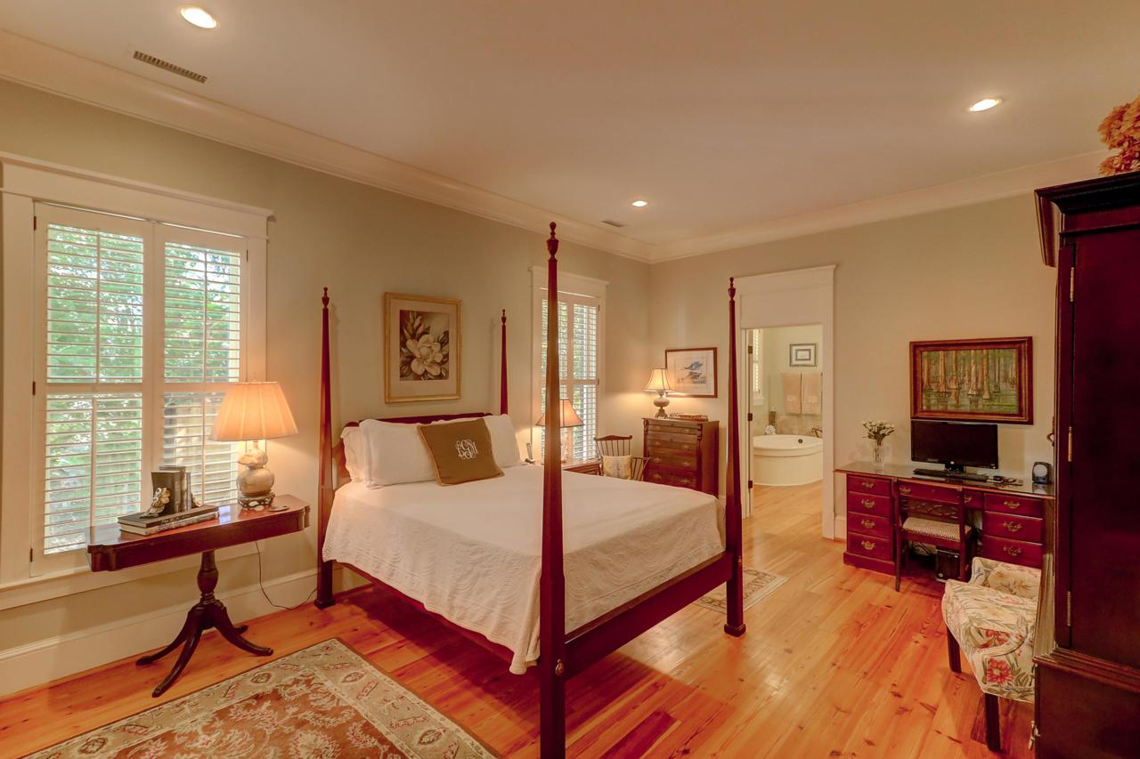 131 Linwood Lane master bedroom