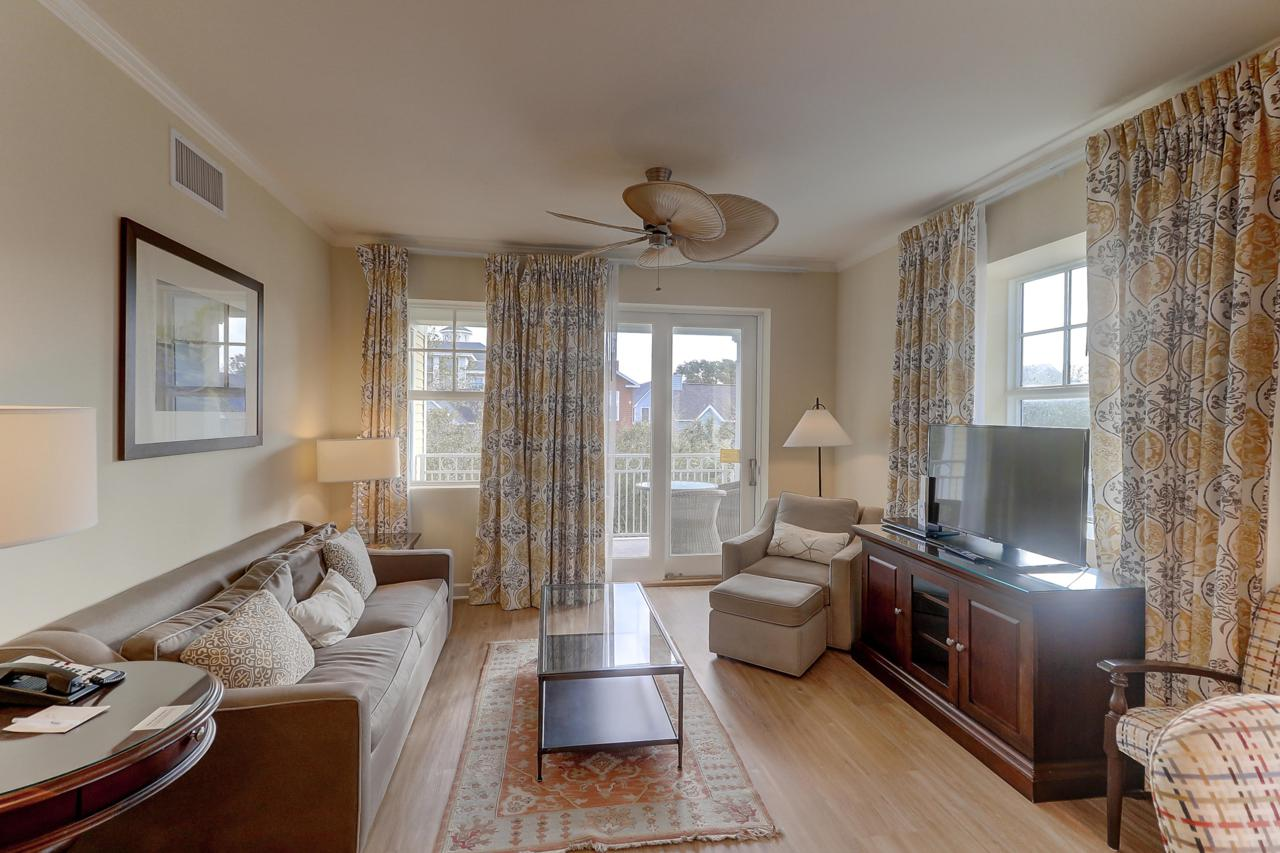 201 Village at Wild Dunes living room