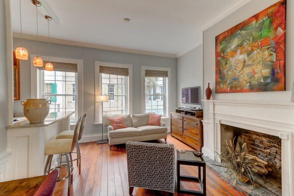 23 Queen Street C living room