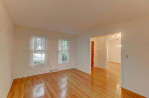514 Old Bridge Court living room