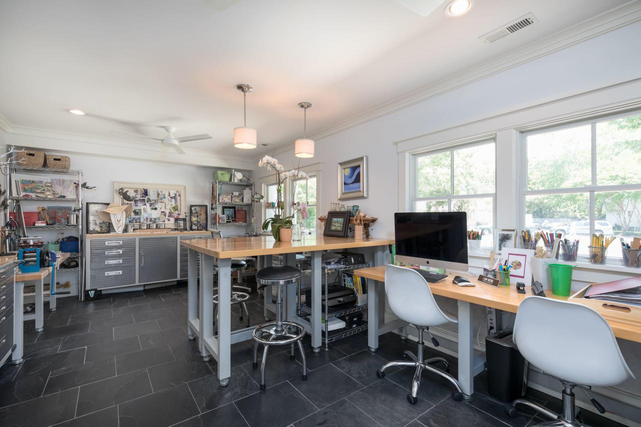 933 Trowman Lane artist's studio