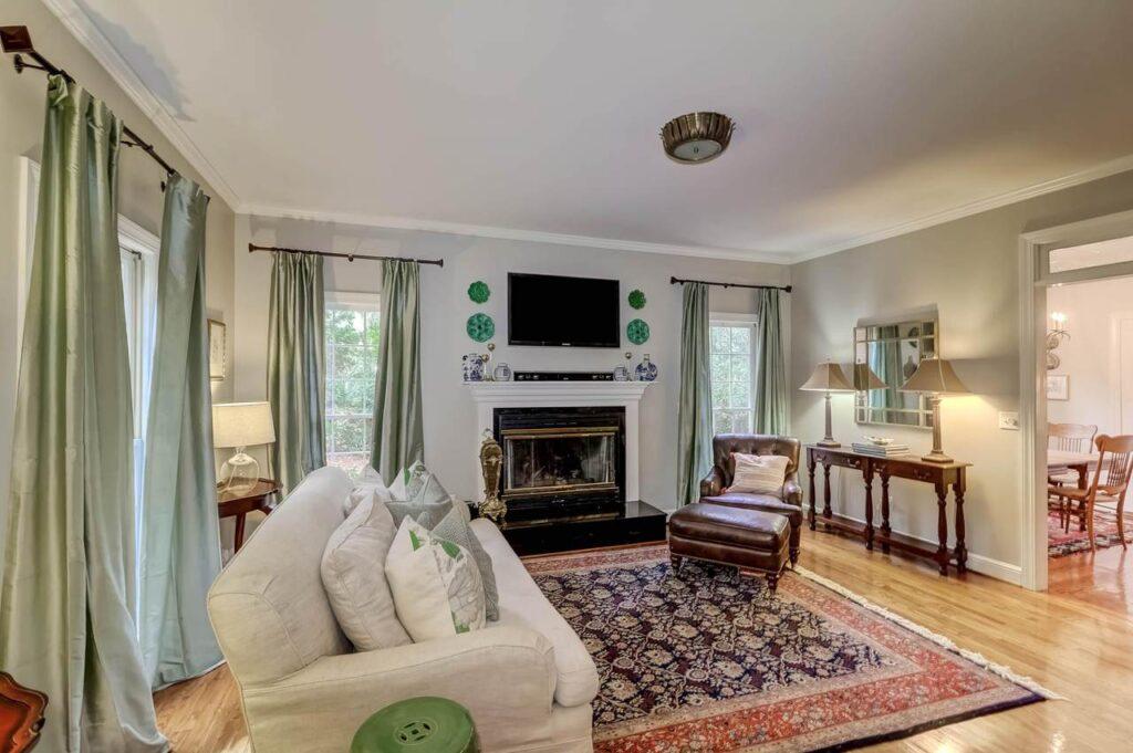 546 Flambeau Retreat living room