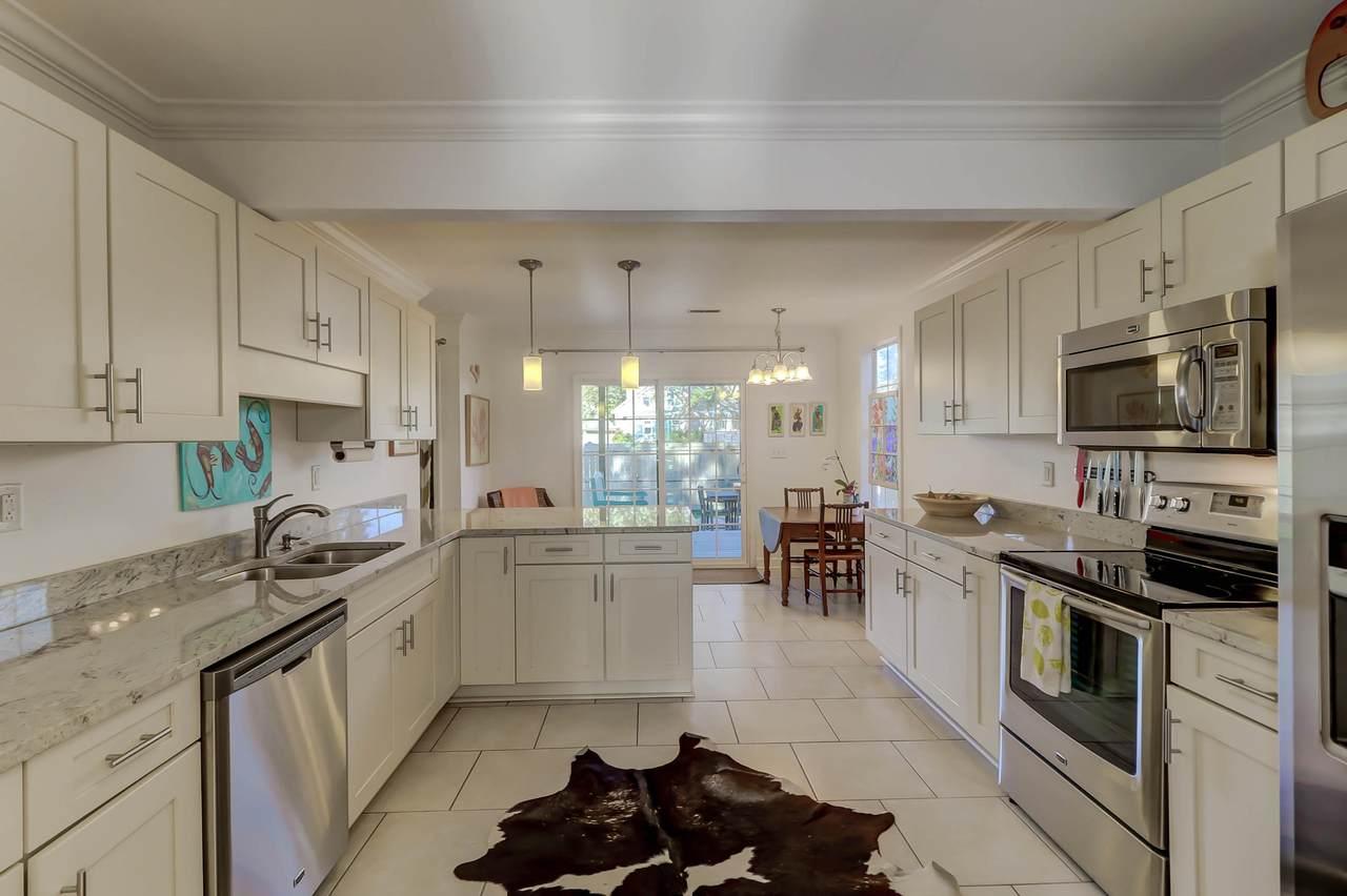 750 Atlantic kitchen