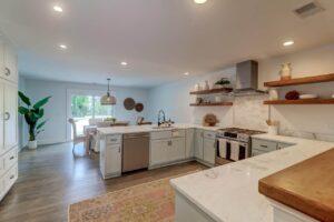 3401 Hartnett Boulevard kitchen