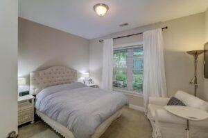656 Coleman Boulevard guest suite