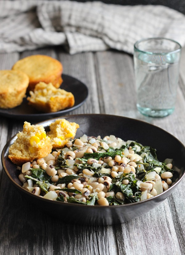 new-years-black-eyed-peas-and-greens-02