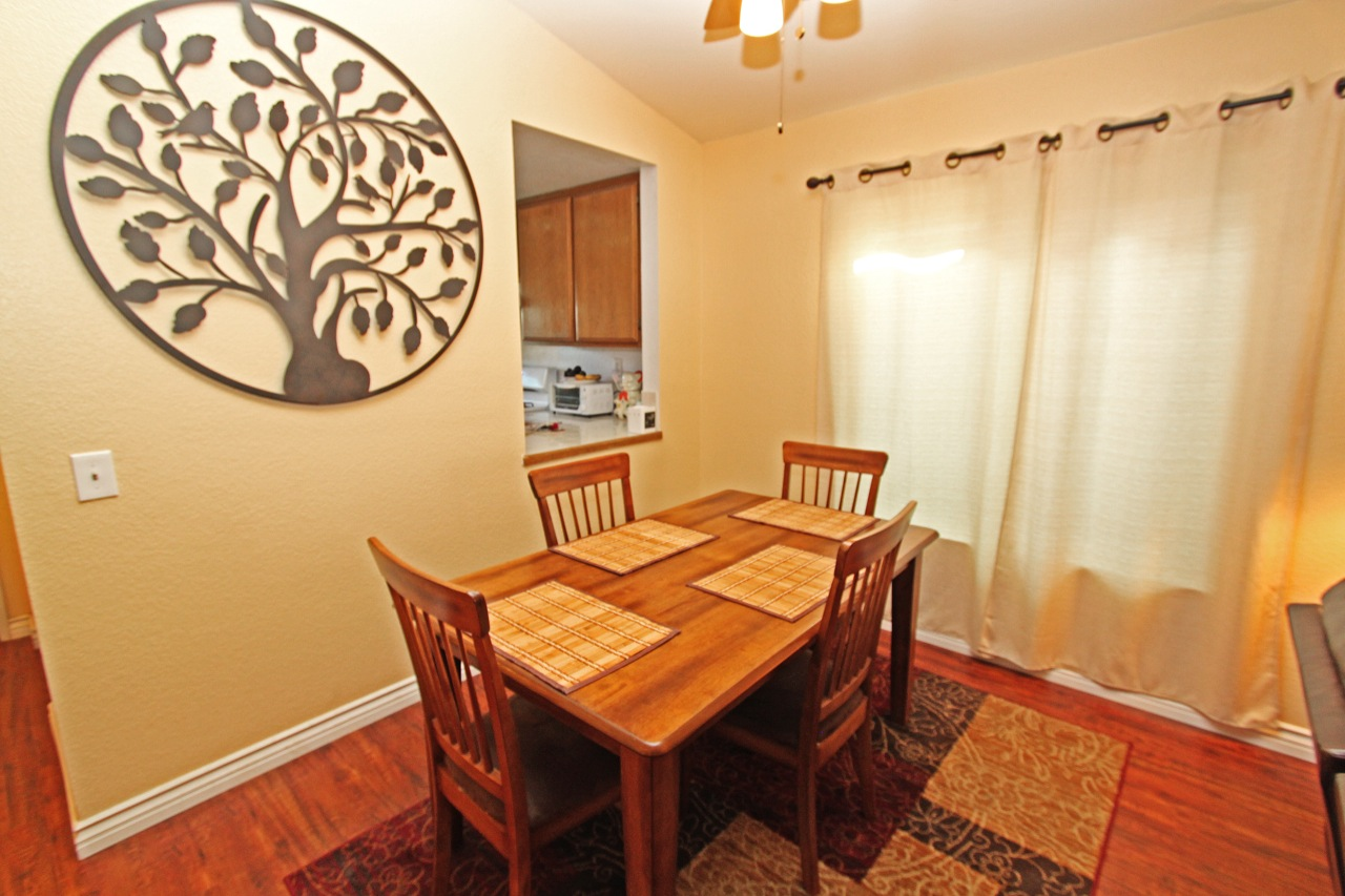 11 Dining Area 2