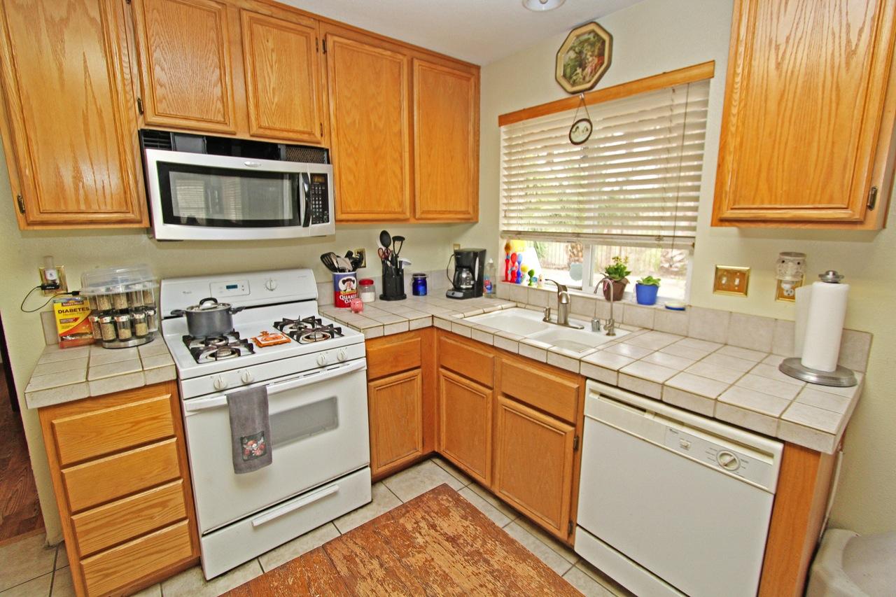 11 Kitchen 4